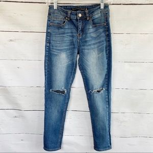 Tinseltown Distressed Skinny Jeans